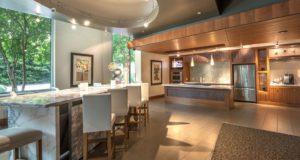Dallas Luxury Highrise Clubroom