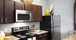 Knox Henderson Apartment Homes Kitchen
