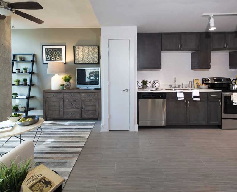 Turtle Creek Modern Apartment Homes Stainless Kitchen