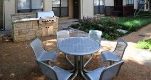 Victory Park Apartment Homes Courtyard