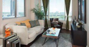 mckinney-avenue-highrise-livingroom-views