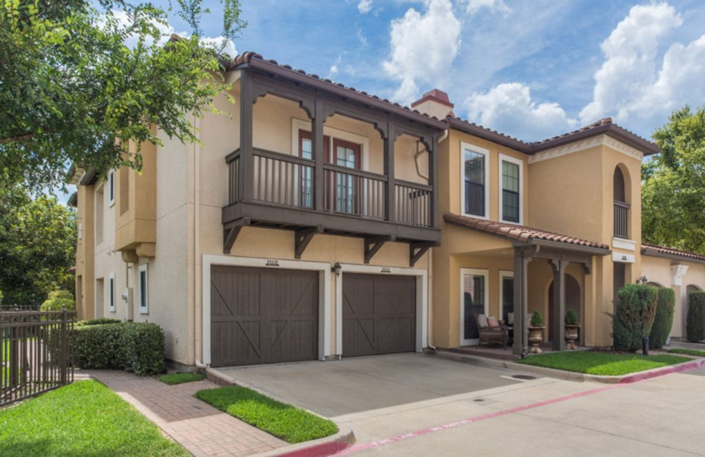 Townhome 2 bed 2.5 bath 2 car garage - The Apartment Specialist